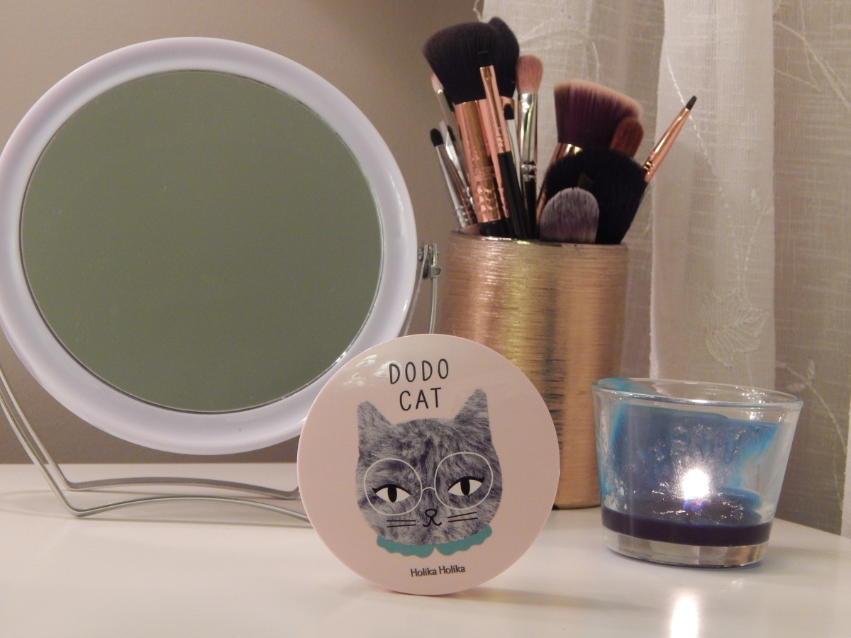 Holika Holika - Face 2 Change Dodo Cat Glow Cushion BB Kremi
