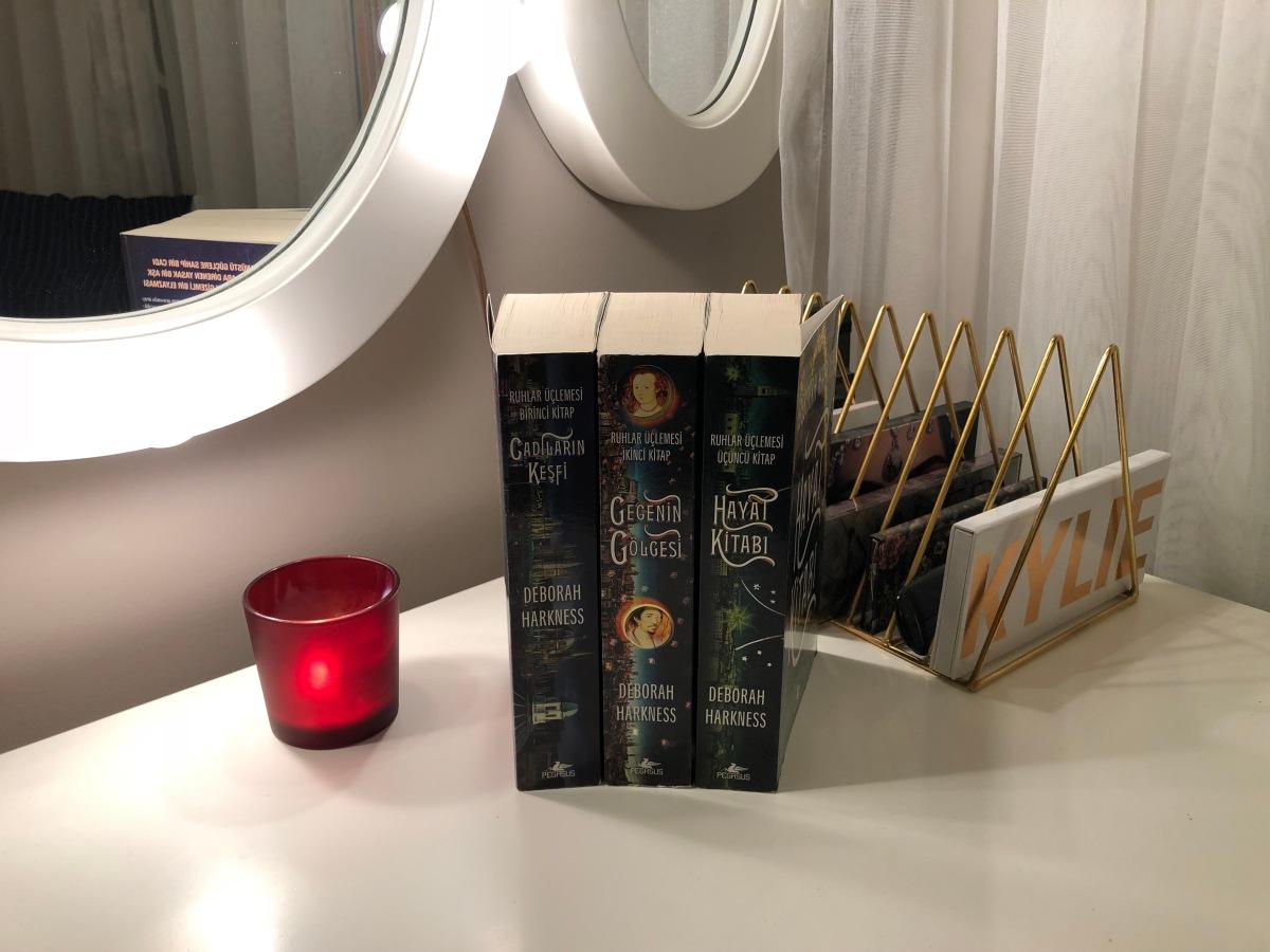 KİTAP: Ruhlar Üçlemesi - Deborah Harkness