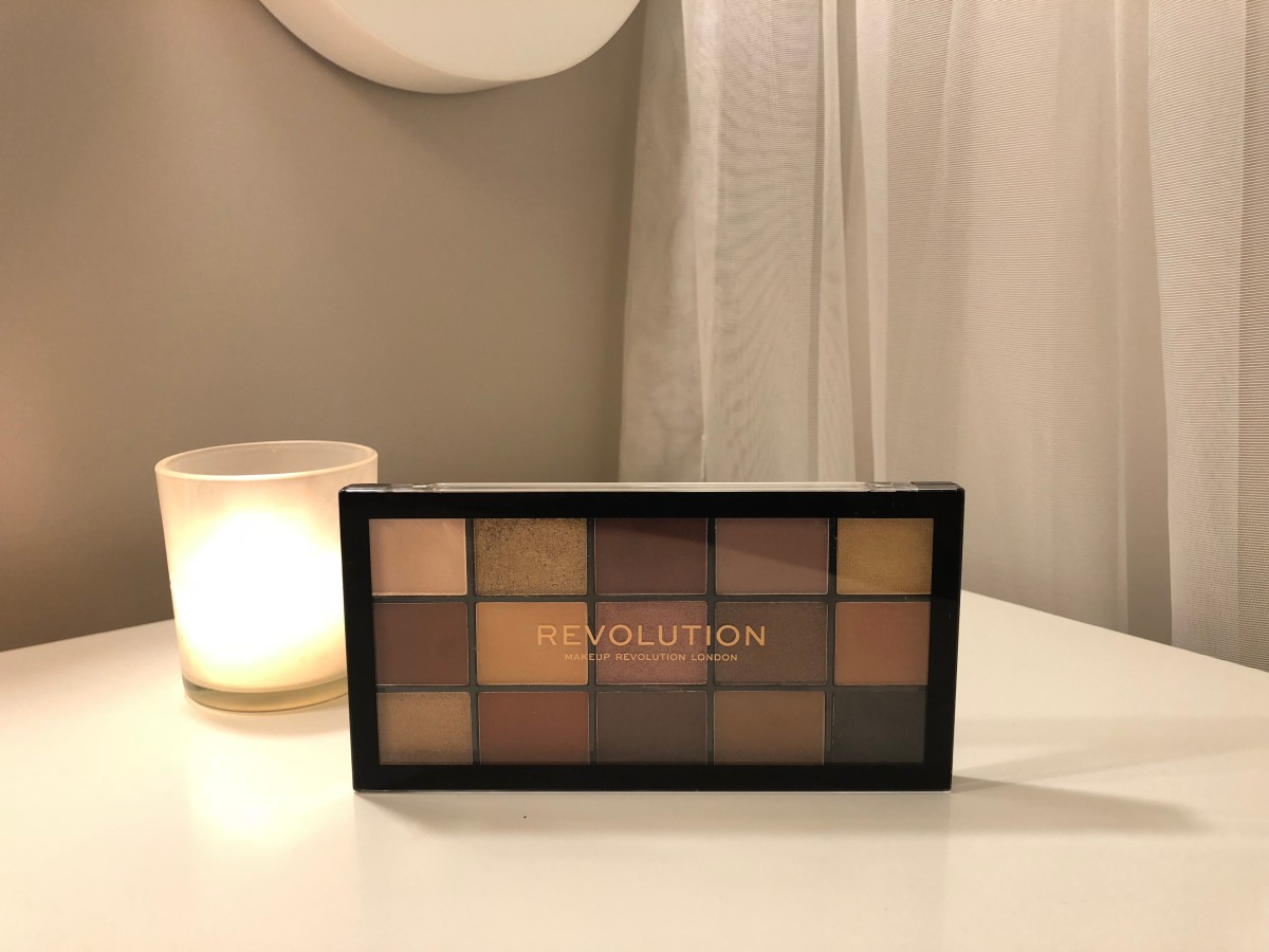 Makeup Revolution - Velvet Rose Paleti